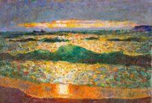 Морской закат на фоне волн